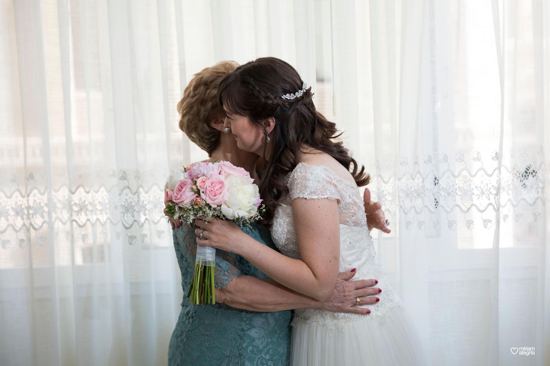 boda-civil-en-el-casino-de-murcia-miriam-alegria-fotografos-de-boda-16