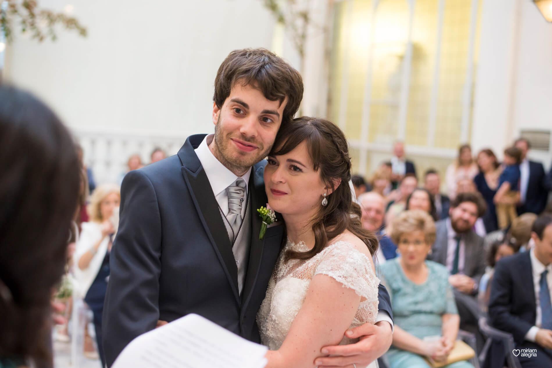 boda-civil-en-el-casino-de-murcia-miriam-alegria-fotografos-de-boda-34