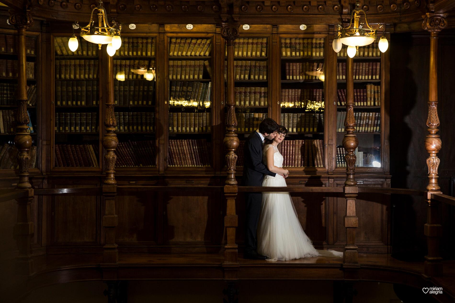 boda-civil-en-el-casino-de-murcia-miriam-alegria-fotografos-de-boda-40