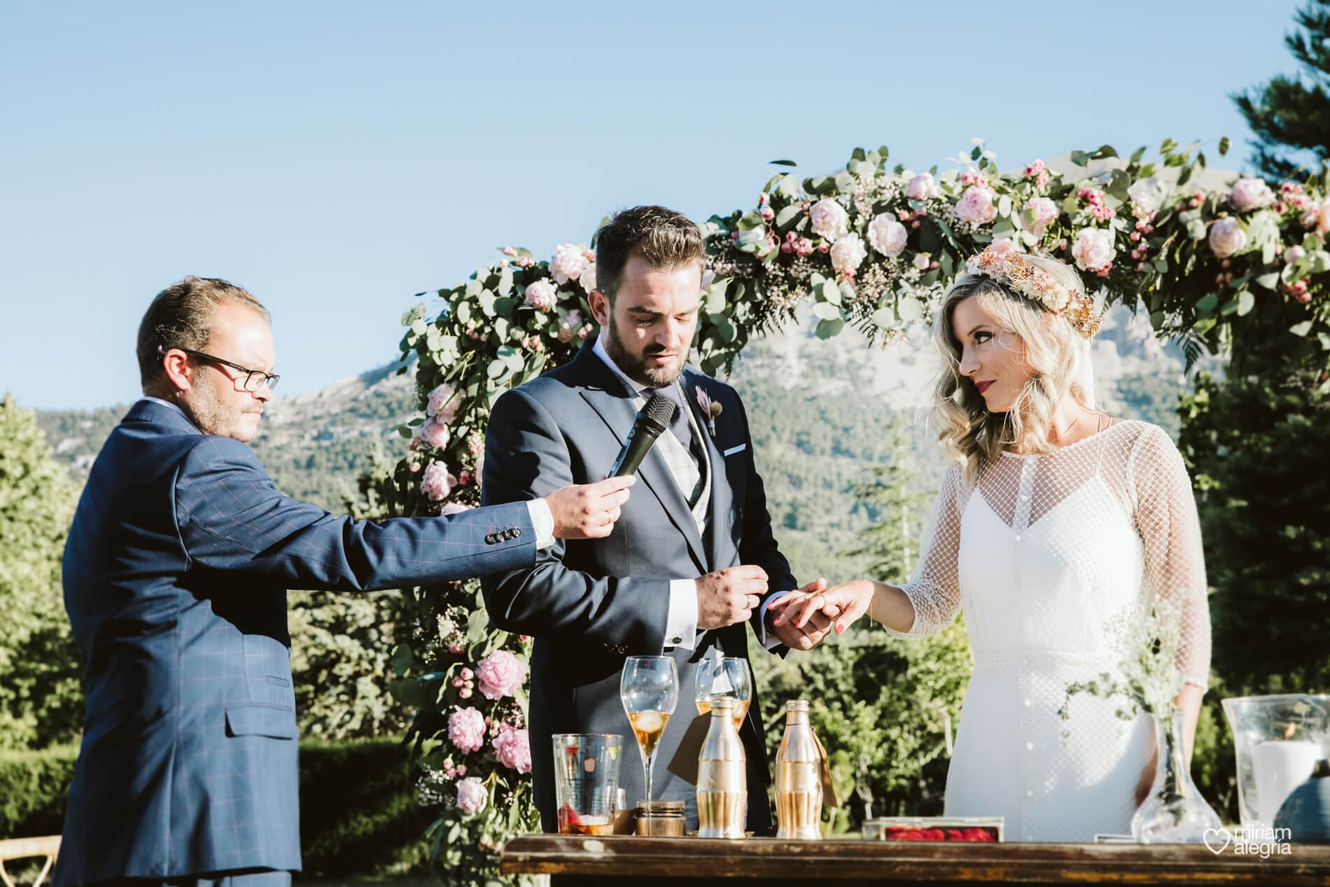 boda-en-collados-miriam-alegria-cayetana-ferrer-60