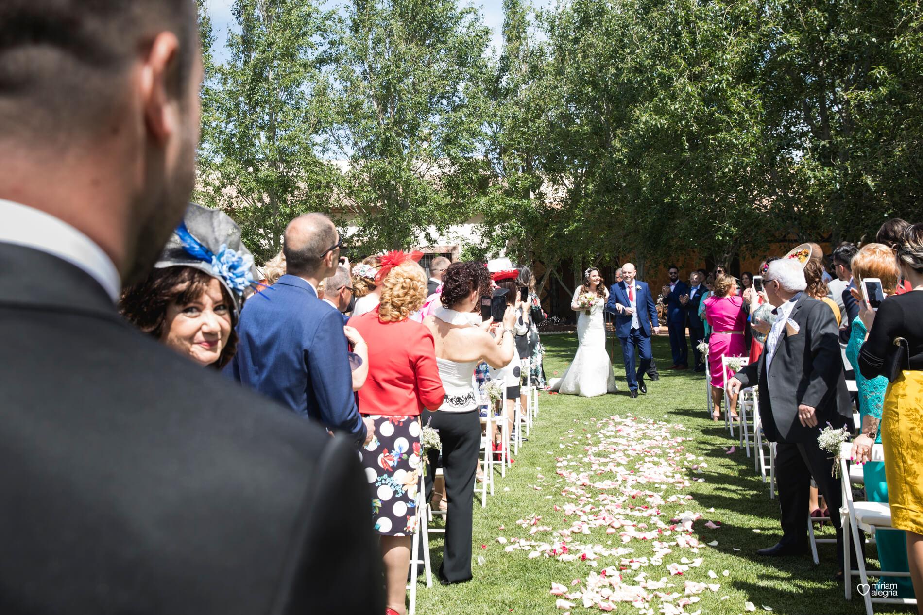 boda-en-finca-jurosa-miriam-alegria-46