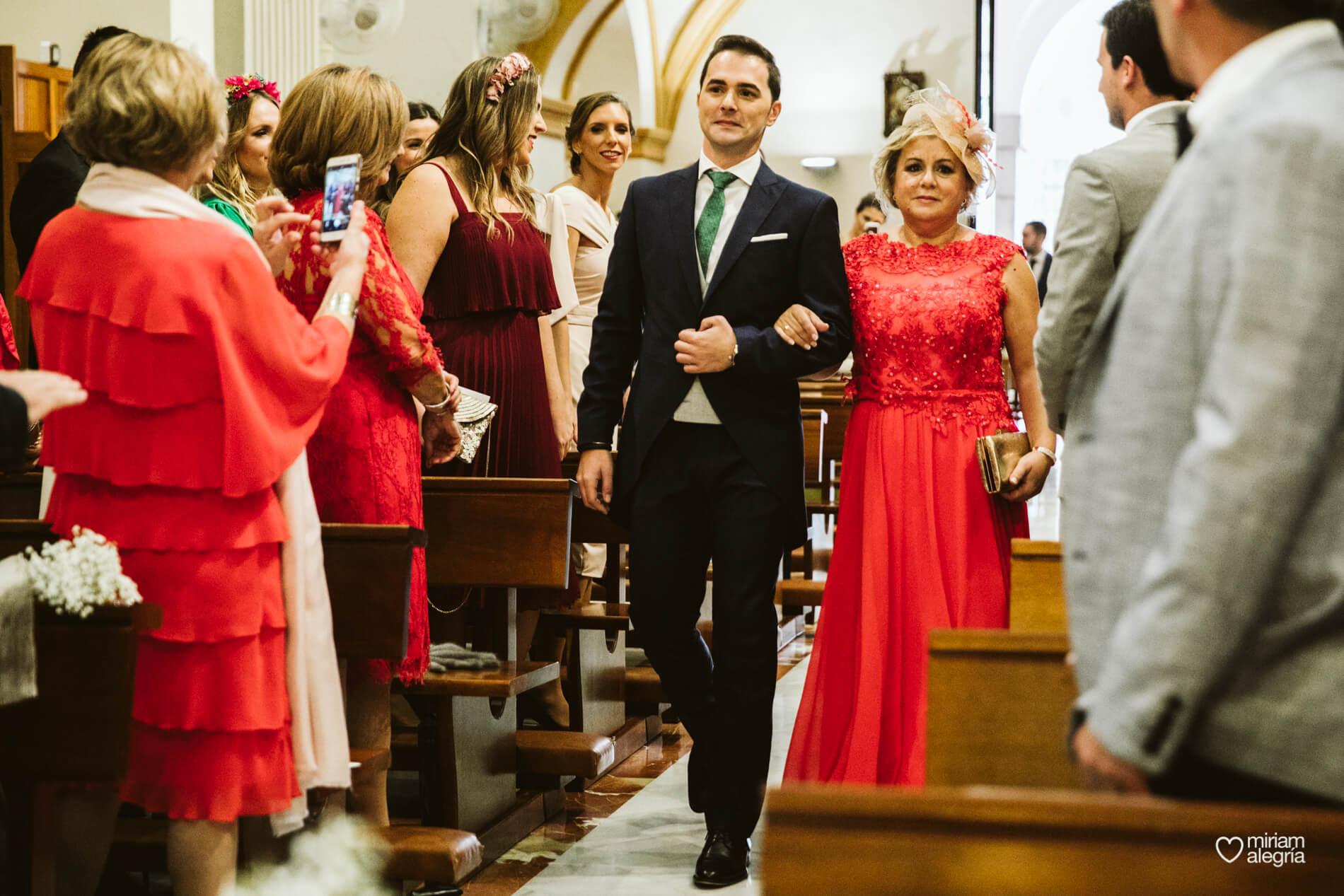 boda-en-iglesia-del-carmen-cartagena-37