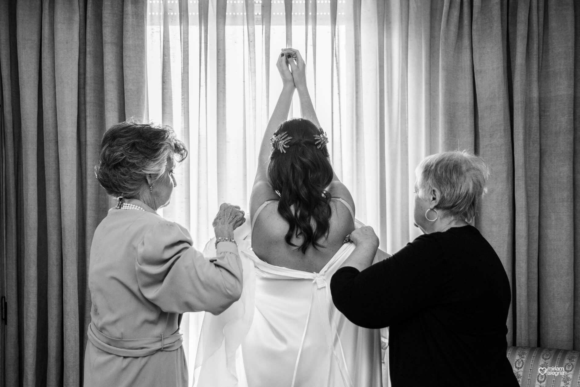 boda-en-la-iglesia-de-las-anas-16