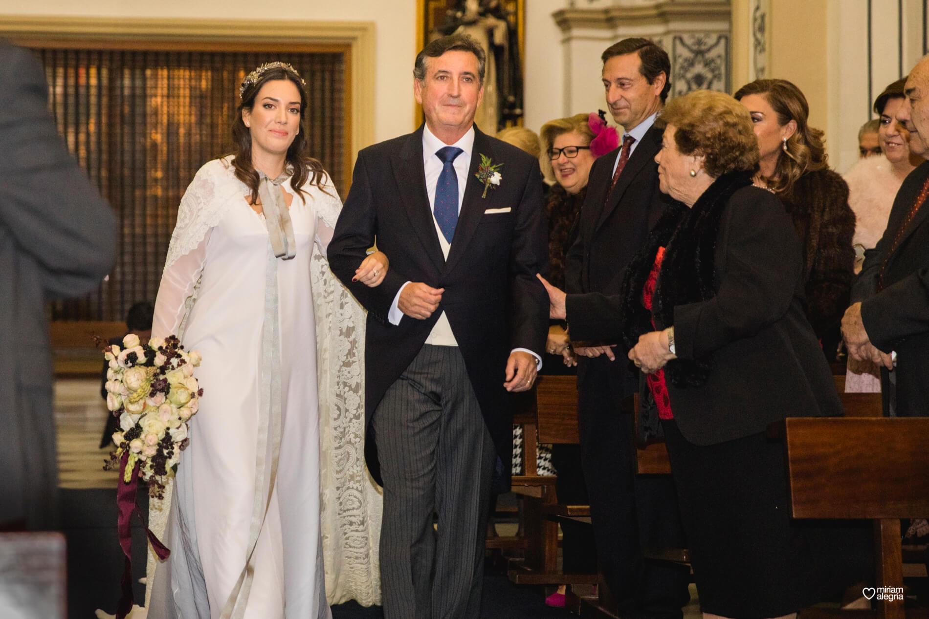 boda-en-la-iglesia-de-las-anas-29