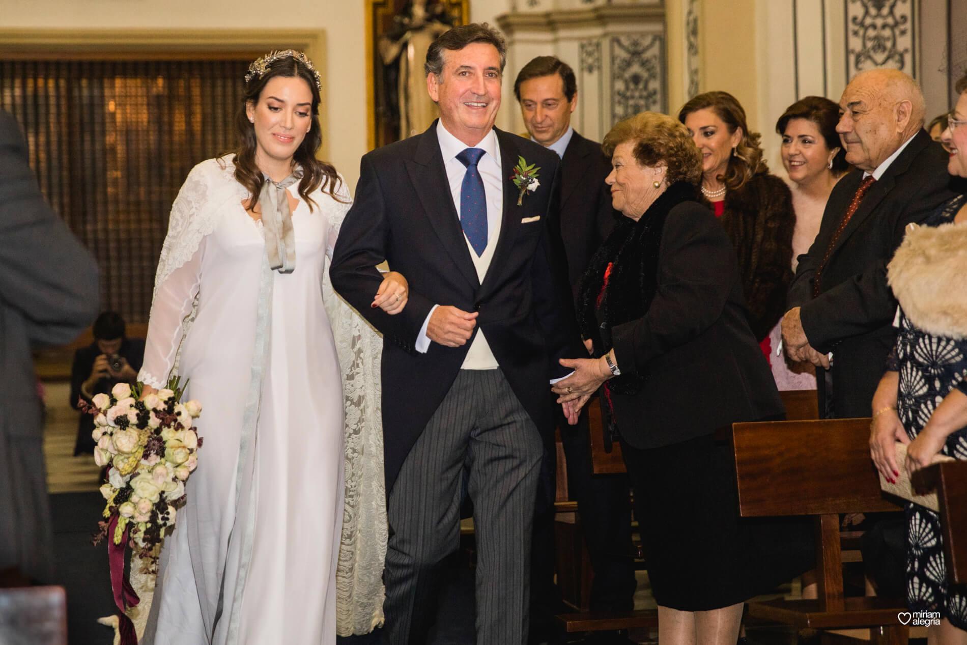 boda-en-la-iglesia-de-las-anas-30