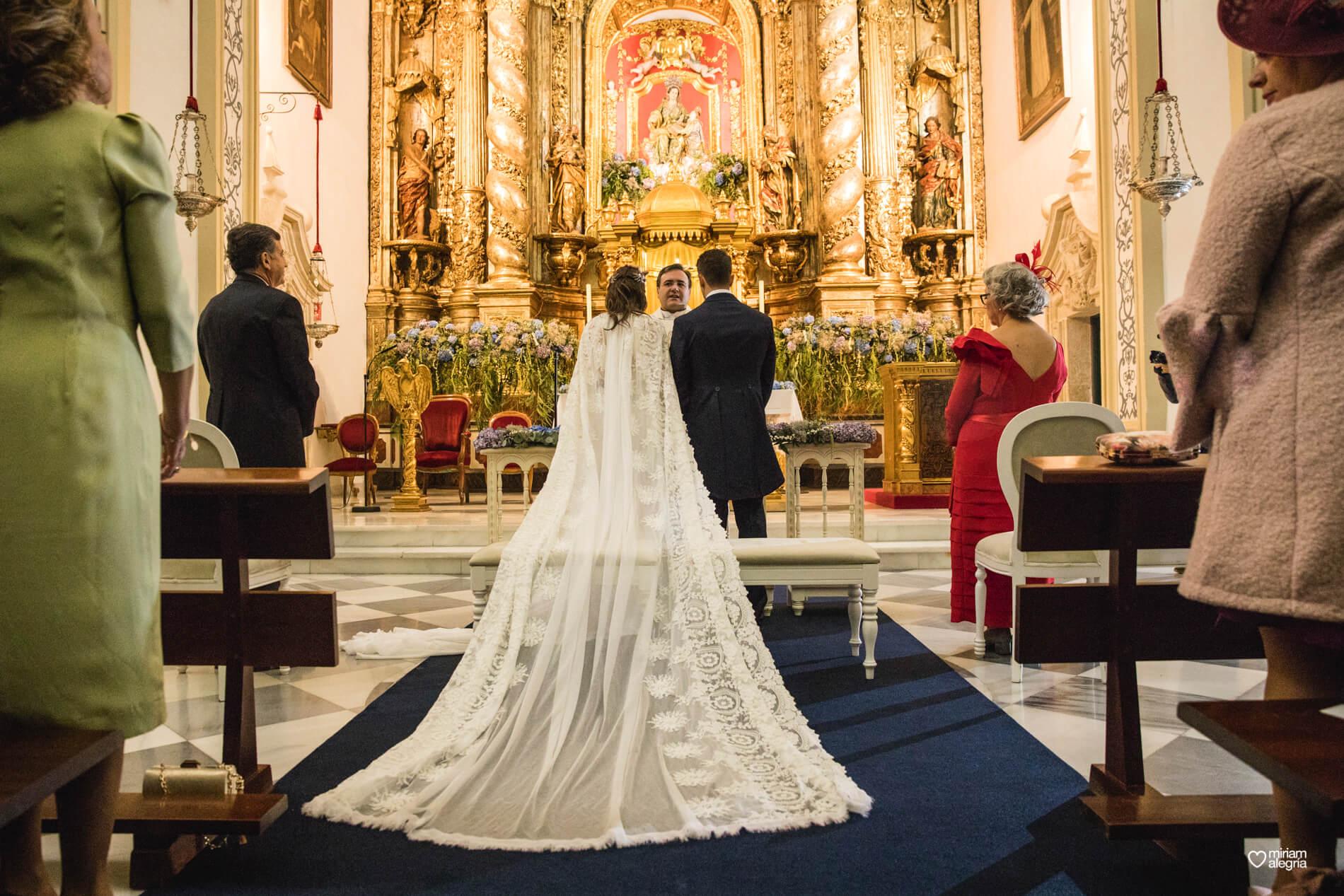 boda-en-la-iglesia-de-las-anas-44