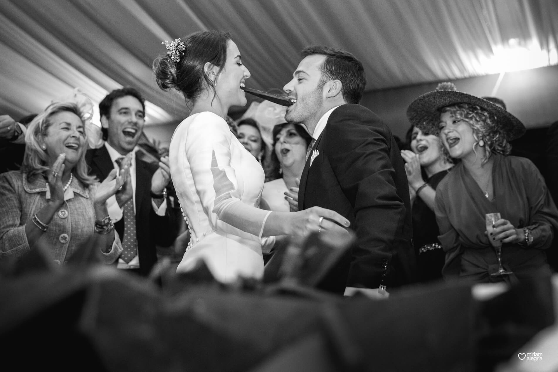 vestido-de-novia-paula-del-vas-miriam-alegria-fotografos-boda-murcia-139