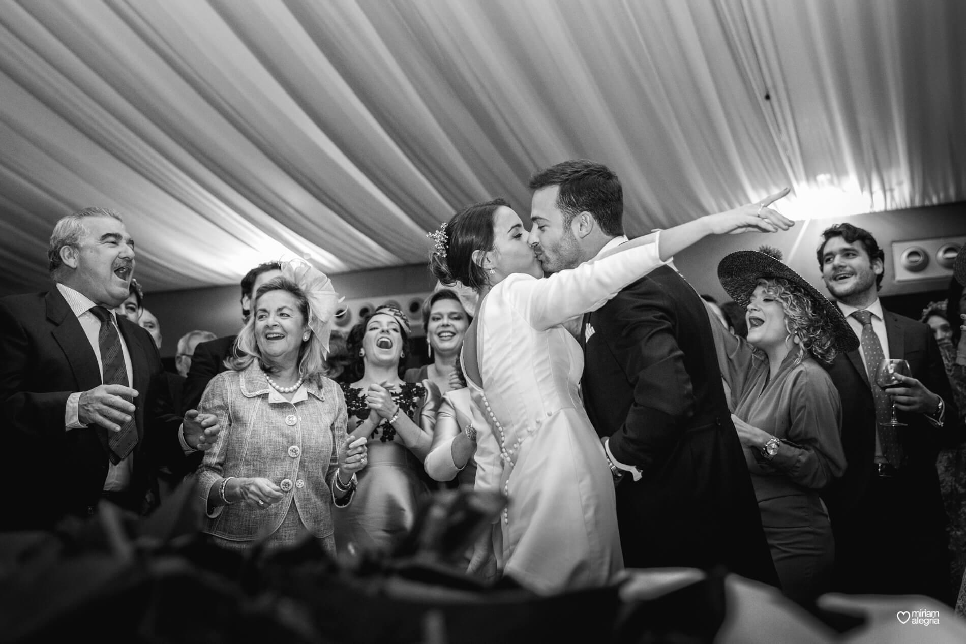 vestido-de-novia-paula-del-vas-miriam-alegria-fotografos-boda-murcia-140