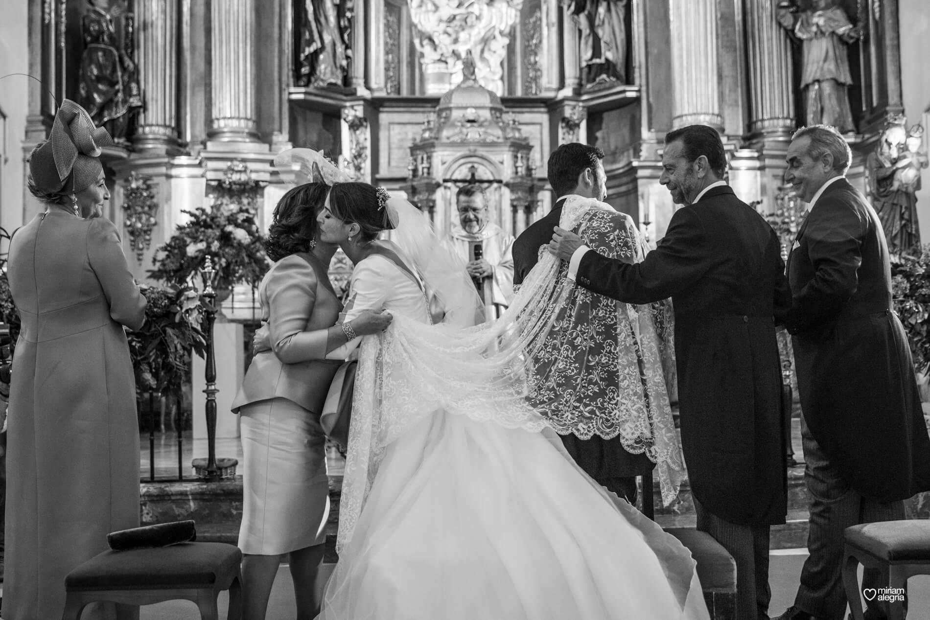 vestido-de-novia-paula-del-vas-miriam-alegria-fotografos-boda-murcia-63