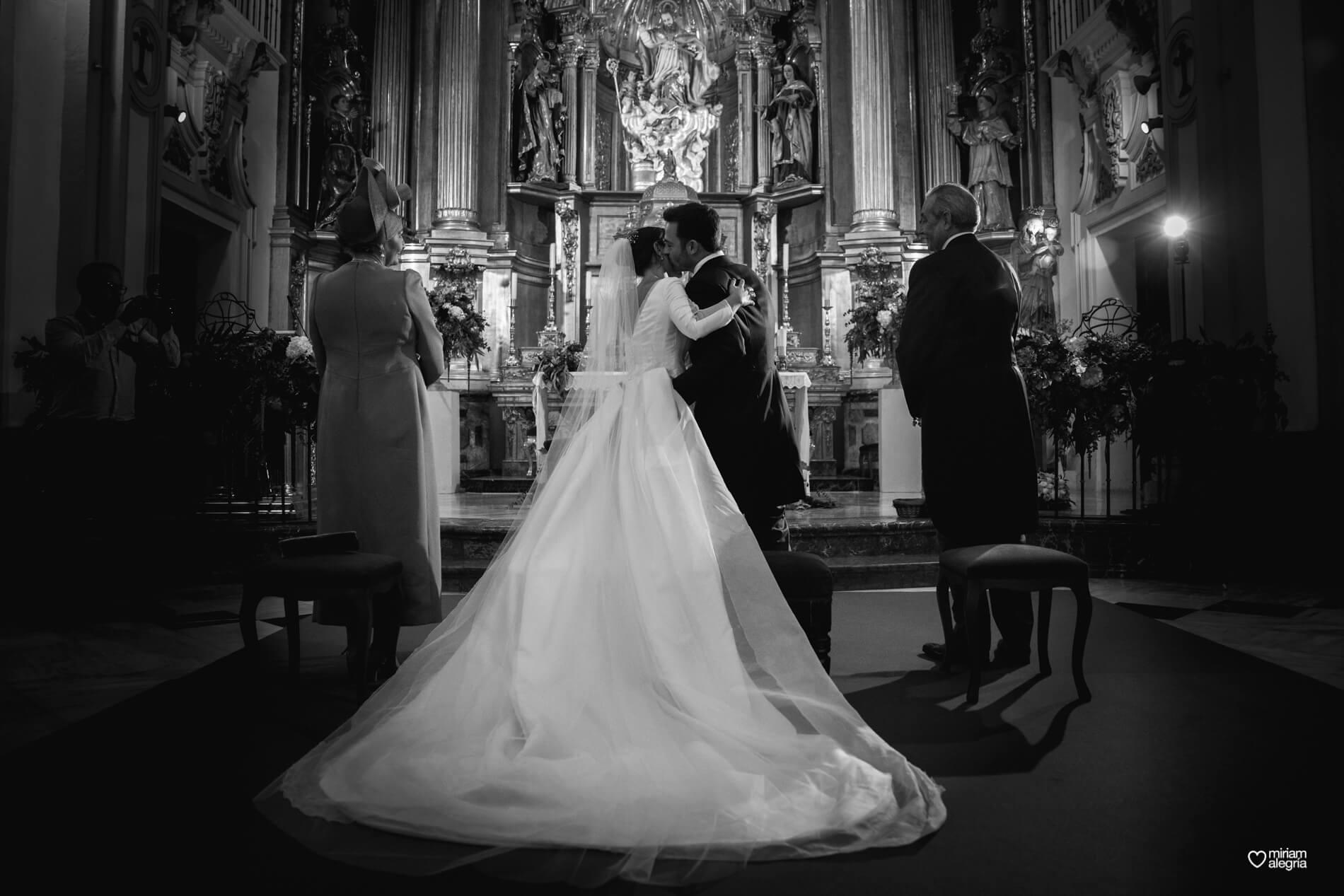 vestido-de-novia-paula-del-vas-miriam-alegria-fotografos-boda-murcia-64