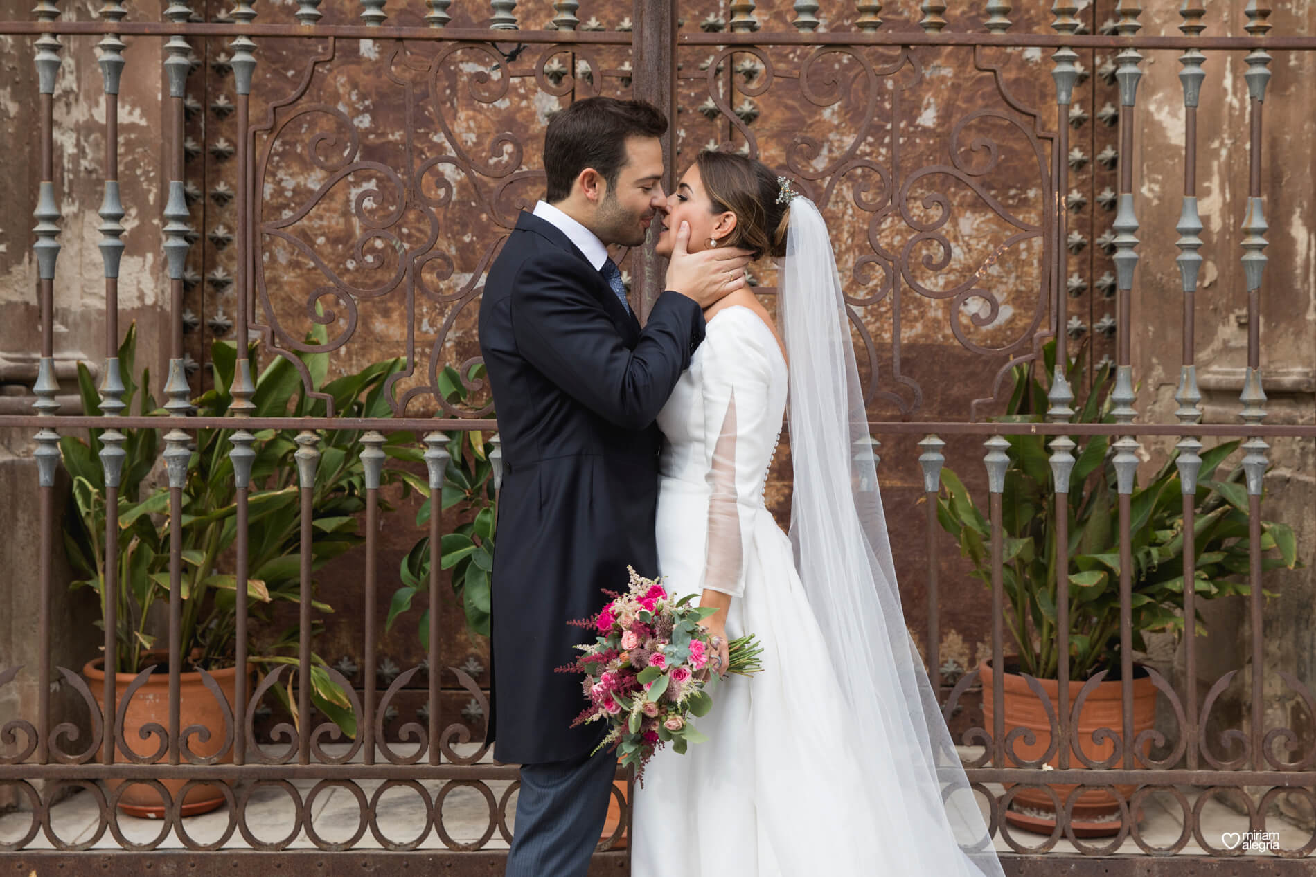 vestido-de-novia-paula-del-vas-miriam-alegria-fotografos-boda-murcia-82
