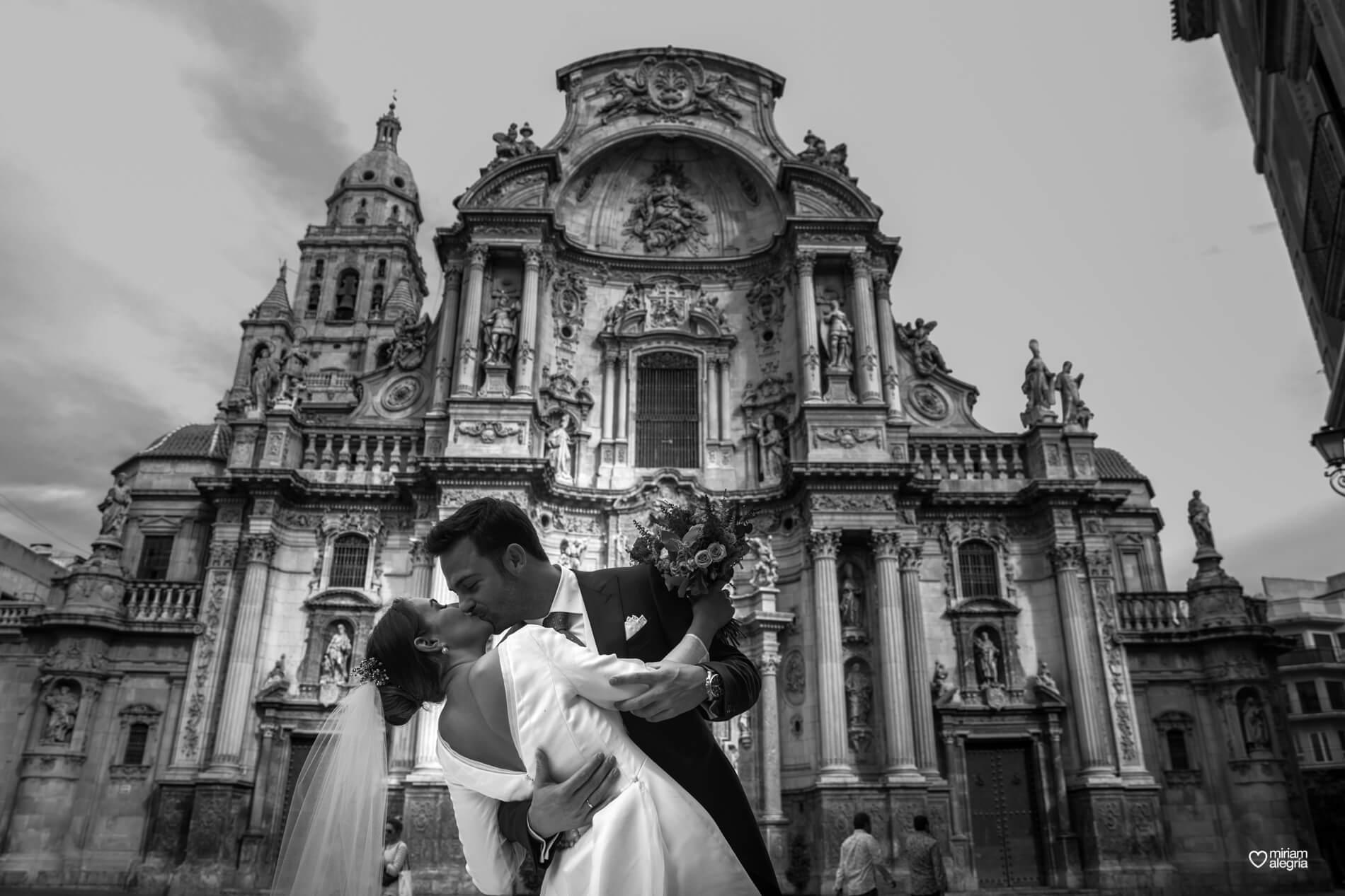 vestido-de-novia-paula-del-vas-miriam-alegria-fotografos-boda-murcia-87