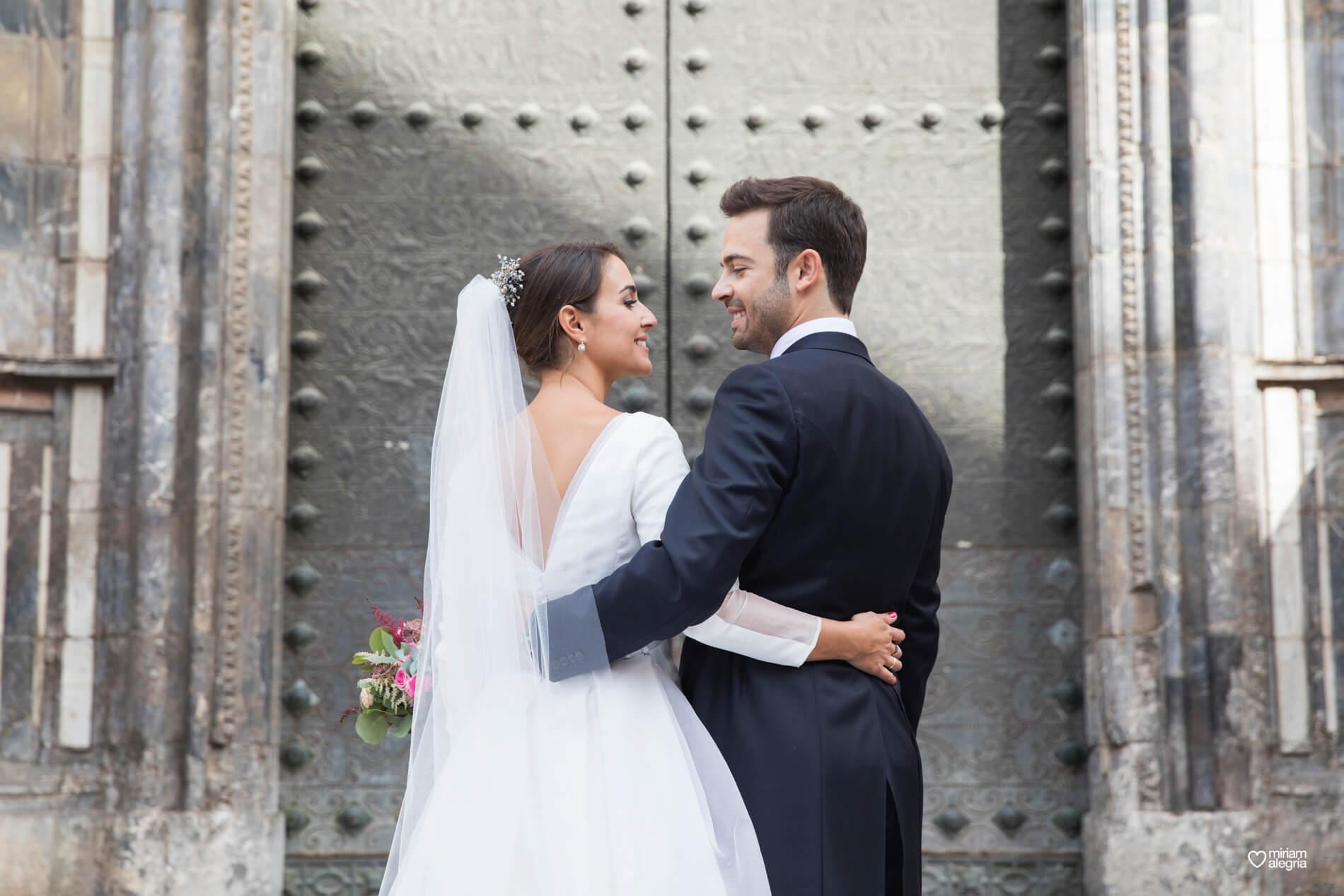 vestido-de-novia-paula-del-vas-miriam-alegria-fotografos-boda-murcia-89